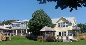 Bay Vista Motel & Cottage - Cavendish, PEI